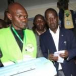 Raila casting his vote